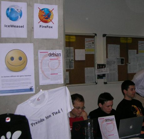 Debian geeks promoting IceWeasel